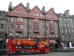 edinburgh_tourists_bus
